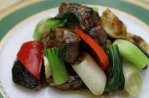 17.牛ヒレ肉の黒胡麻炒め(カキソース炒めに変更出来ます)
